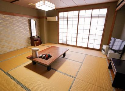 客室(和室・12畳)